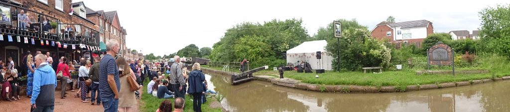 The Big Lock During Middlewich Folk And Boat