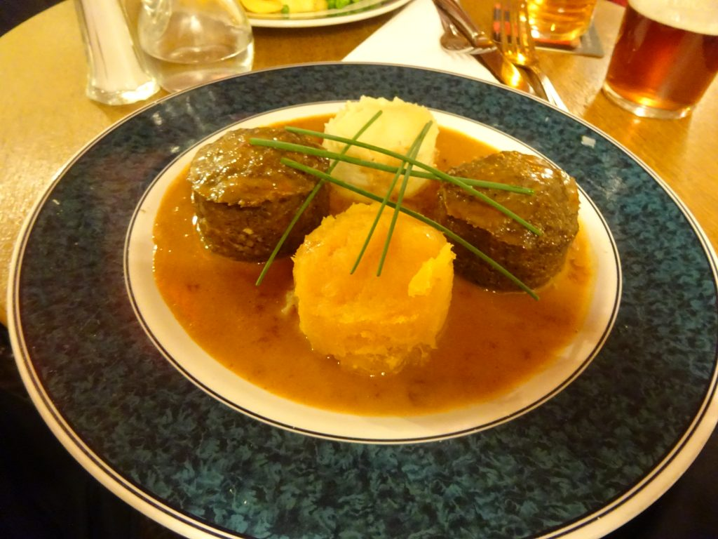 Dave's Amazingly Presented Haggis, Neeps And Tatties At The Lade Inn
