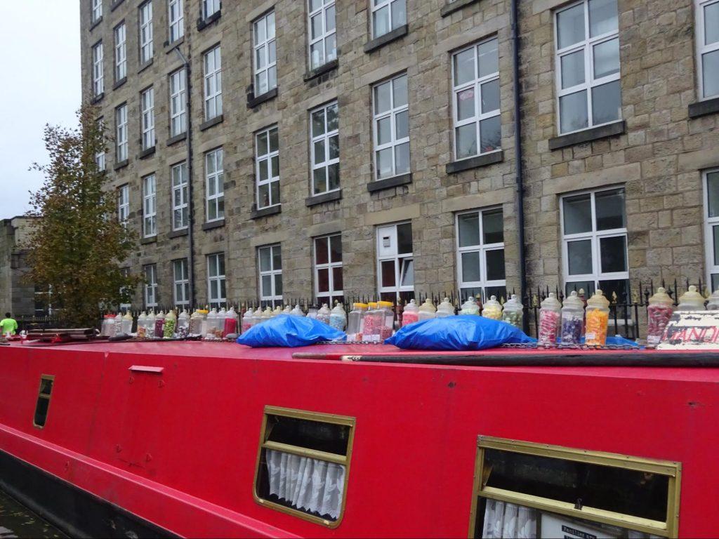 sweet-barge