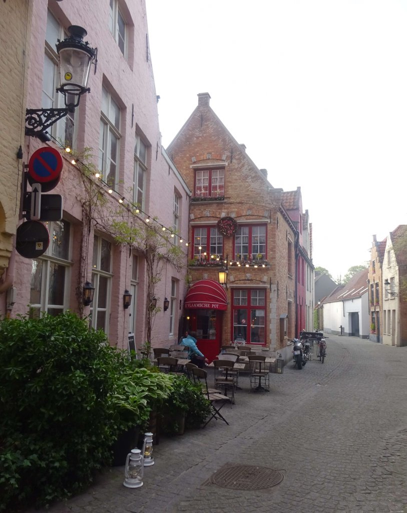 Outside De Vlaamshce Pot