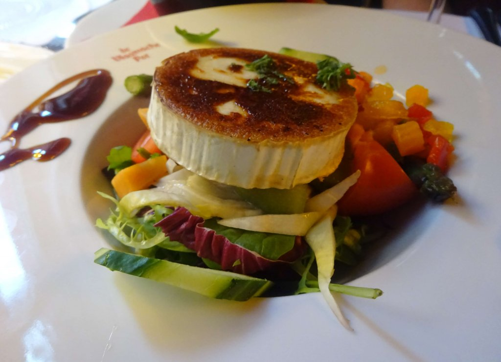 Goats Cheese Salad at De Vlaamsche Pot