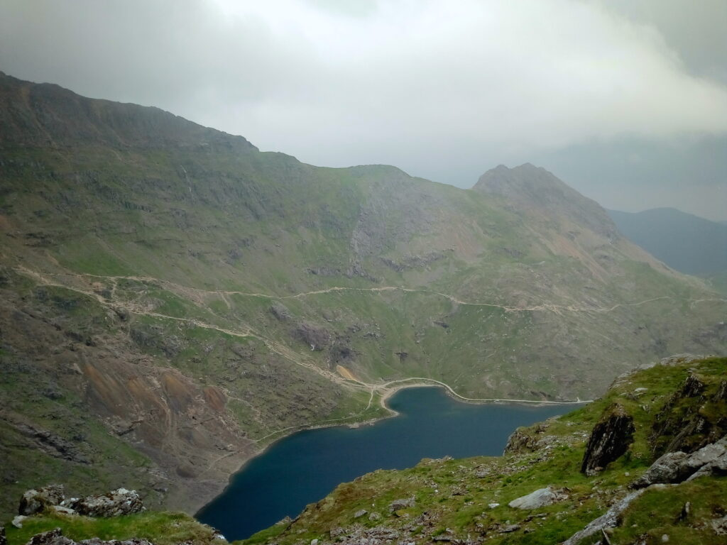 Overlooking The Pyg And Miners Tracks With Lake View